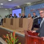 O presidente da Concad, Paulo Brincas, durante a abertura do evento, no Cenarium